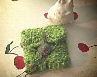 CROCHET WALLET GREEN