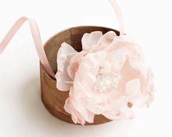 Blush pink Flower bracelet, Bridesmaids corsage, Bridal bracelet, Flower wrist corsage, Bridal wrist corsage, Wedding, Flower wrist corsage