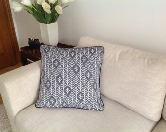 Jacquard  Black, grey and white geometric design