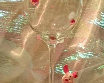 Piglet Figurine Glitter Wine Glass