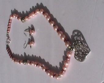 Handmade pinkish Necklace set
