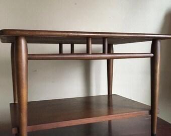 Mid Century Lane Acclaim Side / Coffee Table.