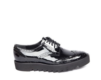Black Shoes, Women Flats, Classic Oxford Shoes, Black Leather Shoes, Platform Shoes, Lace Shoes, Fashion Shoes, Elegant Shoes, Chunky Shoes