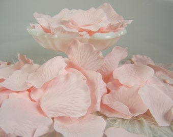 500 Rose Petals / Light Baby Pink / Bulk /  Pink Wedding  / Baby Girl Shower Decoration / Flower Petals / Flower Petals