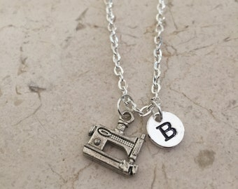 Sewing machine initial necklace, sewing jewelry, gift for seamstress, sewing machine jewelry, silver sewing machine necklace