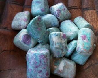 RUBY FUSCHITE Tumbled Stone A+ XL + Sea Salt