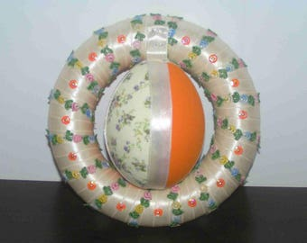 Easter: Small wreath with egg fabric