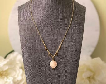 Mosaic mother of pearl shell pendant necklace