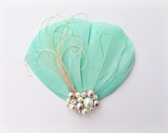 Mint Green Feather Headpiece - Feather Fascinator  - Feather Hair Clip - Bridal Headpiece - Bridesmaid Gift - Bridesmaid Clip - Feather Pin