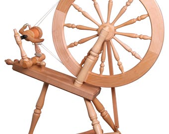Elizabeth 2 Spinning Wheel lacquered