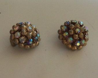 Mid-Century Cluster Earrings -- Sparkly Aurora Borealis faceted Diamente Rhinestones