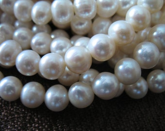 1/2 Strand, 7-8 mm Round WHITE Pearls, Fresh water Pearls, Cultured, wholesale pearls June birthstone brides bridal rw pearl 788