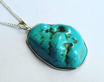 Turquoise howlite pendant necklace on dainty chain in silver