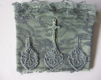 Handcrafted Rosary  Pouch Cotton and Lace, Moss Green