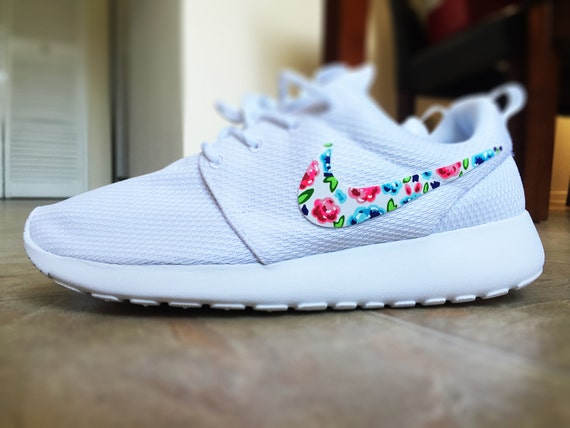 Nike Patterned Running Shoes