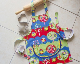 Kids Apron Owl blue green red yellow, boys & girls kitchen craft art play owl apron, childs lined cotton apron with double pocket, Busy Owls