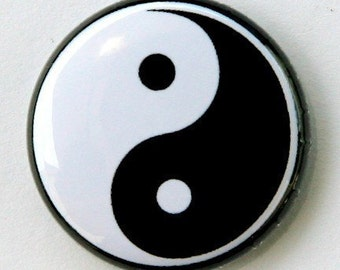 Ying Yang Black And White - Button Pinback Badge 1 inch