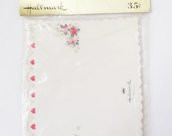 Package of 8 Vintage Hallmark Place Cards with Hearts and Floral Accent