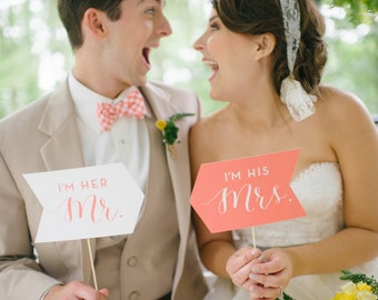 Couples Photo Prop Set - I'm his Mrs. / I'm her Mr.