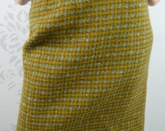 VINTAGE GREEN SKIRT 1950s Wool Plaid Pencil Size Extra Small