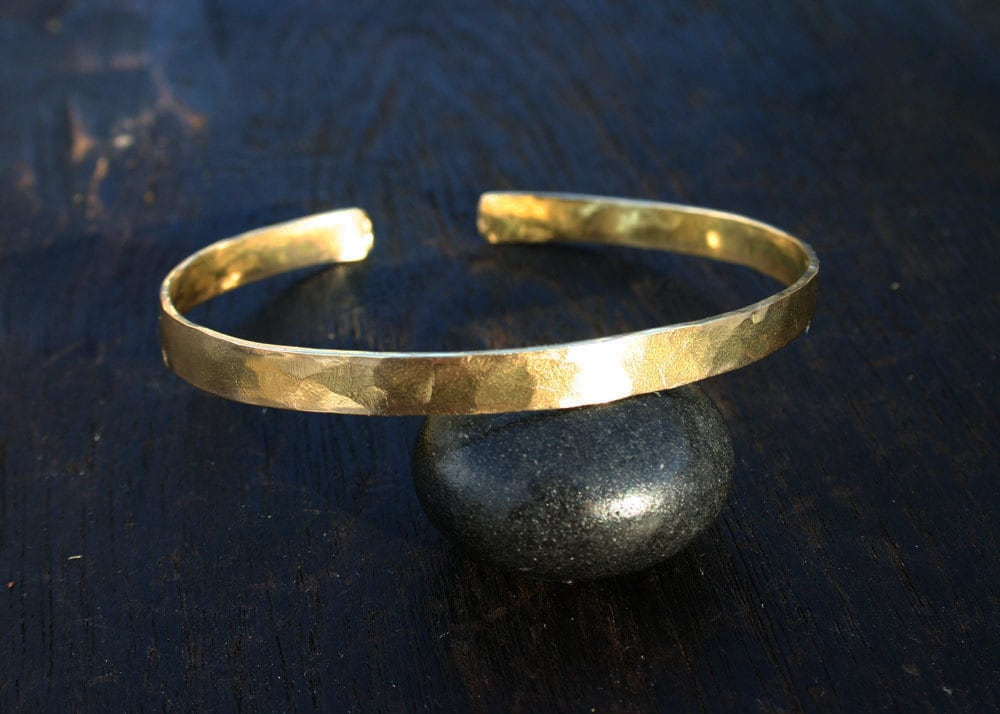 thick il bangle zoom listing gold oeob hammered bangles cuff fullxfull solid bracelet