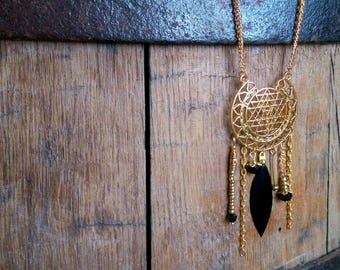 Pretty gold and black inspiration necklace boho chic.