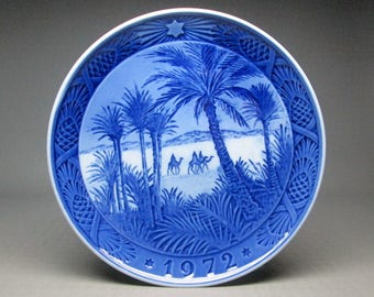 Royal copenhagen Christmas plate 1972 In The Desert , blue