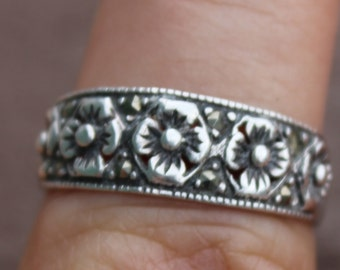 Petite Sterling Silver Sculpted Flower Ring Size 7