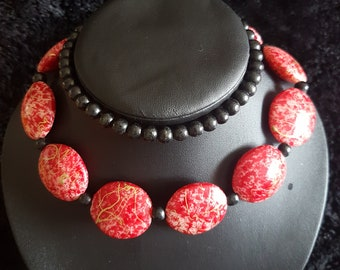 African red circular stoned necklace