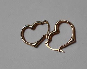 Vintage 10K Gold Heart Shaped HOOP Earrings.