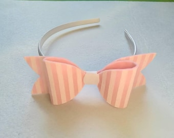Circle Candy Pop with striped pink bow