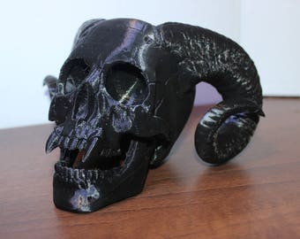 Demon Skull Bonehead fully 3D printed. Available in a range of colours. Measures approx. 15cm in height.