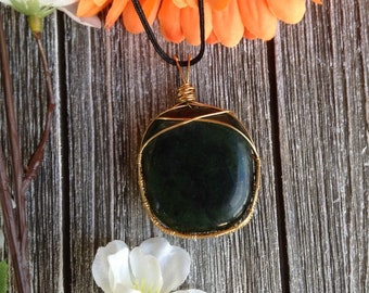Dark jade in brass boho pendant necklace