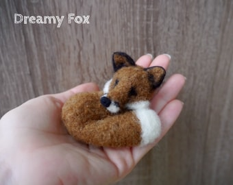 Needle felted fox.