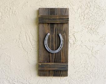 Rustic Horseshoe, Farmhouse Wall Decor, Rustic Decor, Reclaimed Wood, Good Luck Gifts, Rustic Wedding Gift, Farmhouse Sign. Wall Art.18X8