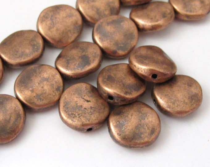 4 beads - Rustic look copper finish flat disc metal beads -  BD507