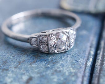 Art Deco Diamond Solitaire Engagement Ring in 18k Gold & Platinum, c1920