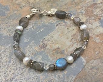 Labradorite Bracelet, Blue Flash, Labradorite, Pearl and Crystal Bracelet, Artisan Bracelet, Choose your size
