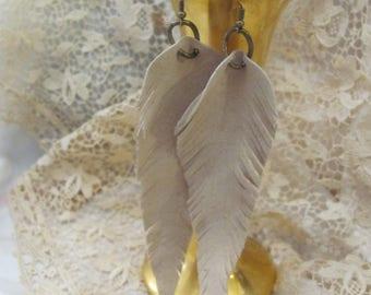 Earrings Beautiful Beige Leather Suede Feather Earrings (#3G)