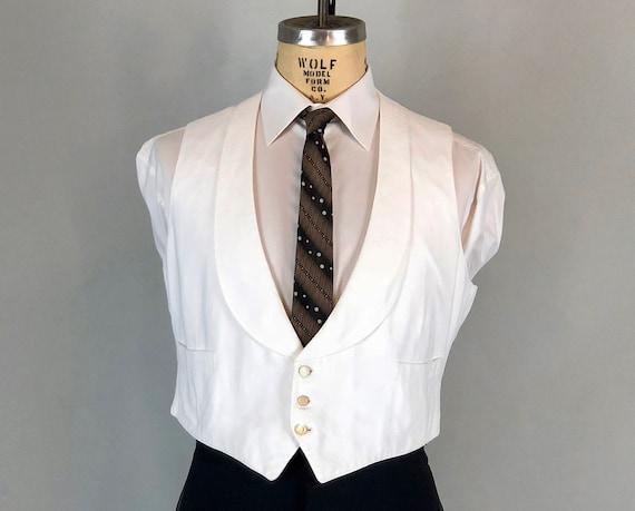 Vintage Edwardian 1920's Men Vest White Pique Cotton Shawl Collar 3 Buttons Fastening Front Great Costuming Steampunk Or Gatsby Look 9X02yZeyk9