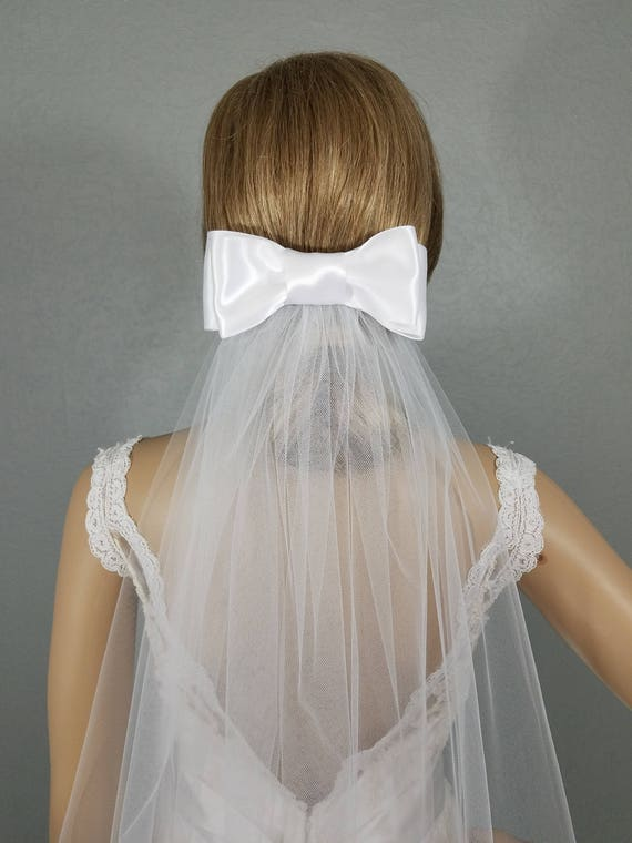 White Bow Wedding Veil, Bow Bridal Veil, Bridal Hip Veil, Short Bridal Veil, Wedding Vail, Bridal Attire, Bridal Accessory