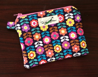 """7""""x5"""" Tab-Handled Wetbag ~ Perky Petunias Cotton with PUL Lining ~ by Talulah Bean"""