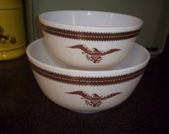Two piece Pyrex Federal Eagle Mixing bowls Nesting Serving Bowls 478-B and 479-B