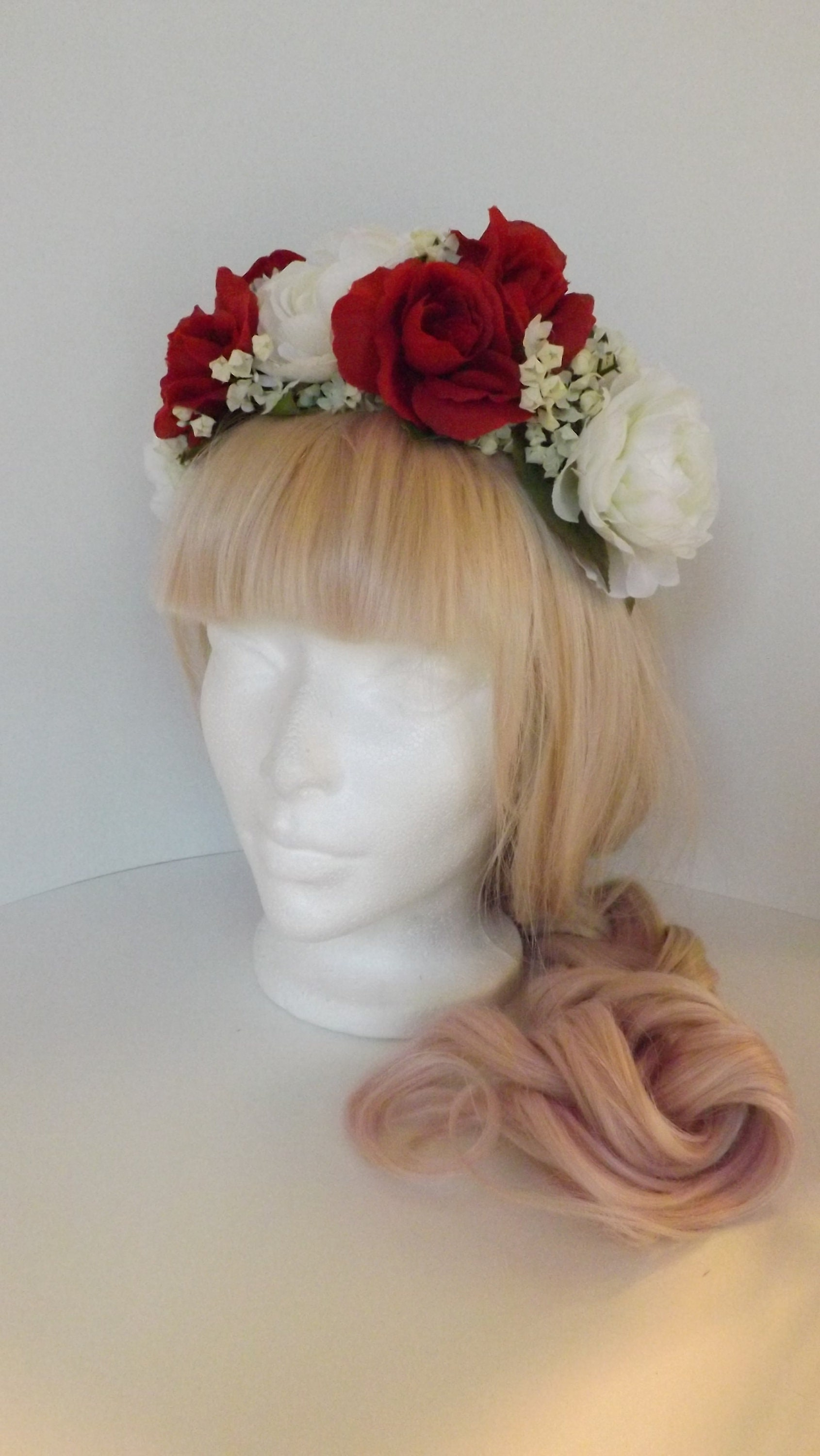 Red and white rose flower crown description flower crowns izmirmasajfo