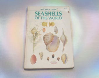 Seashells Golden Guide Book Seashells of the World Nature Field Study Guide Ocean Sea Beach Conchology Children's Paperback