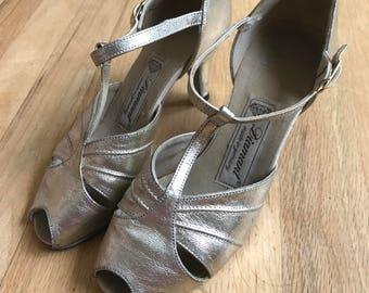 """Vintage """"diamant"""" dancing shoes size 6"""