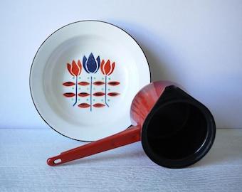 Beautiful Chippy Vintage Enamelware