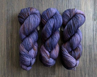 Hand Dyed Yarn - 'Royal Highness' - Everest Sock - 80/20 Superwash BFL/Nylon - Sock Yarn - Purple orange speckles - 420 yards