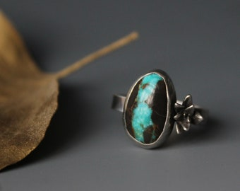 Royston ribbon turquoise ring with succulent sterling silver artisan ring