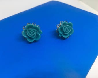 Turquoise resin roses on nickel free silver studs - Teal roses - Resin roses - Nickel free earrings - Gift under 10 - Gift for her - 15mm